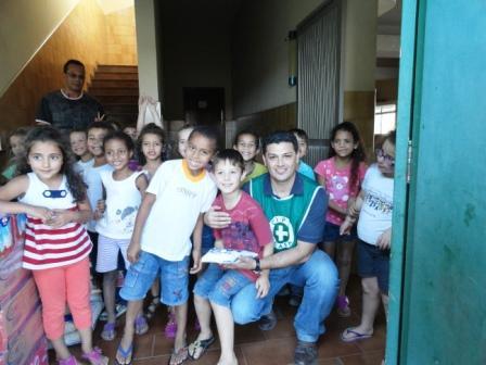 Pessoal da CIPA no Lar da Criança Andradense.