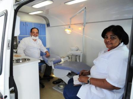 Dr. Maurício Júnior e Margareth Rocha, profissionais Odontovida.